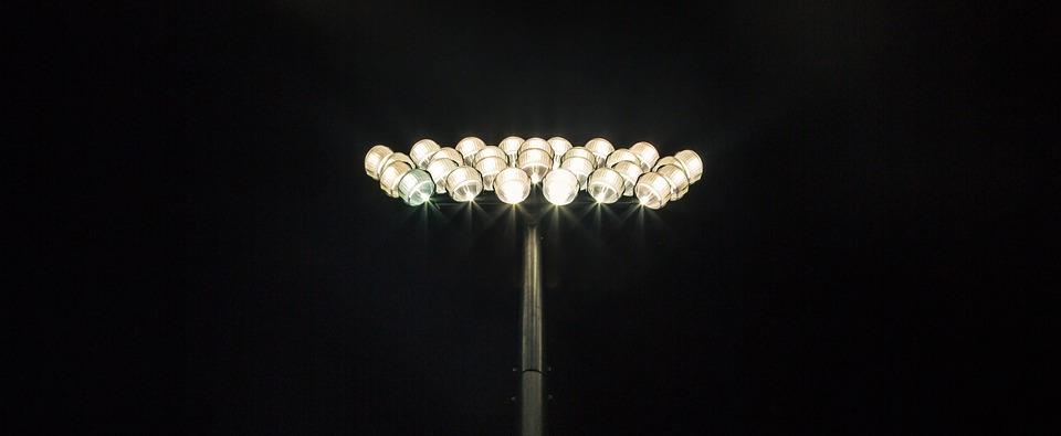 flood-lights-691869_960_720